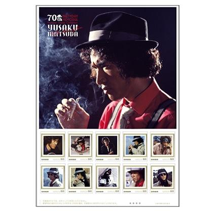 松田優作 生誕70周年記念「探偵物語」プレミアムフレーム切手セット YUSAKU MATSUDA×roarguns コラボTシャツ(黒) スワロフスキースペシャルバージョン/XL