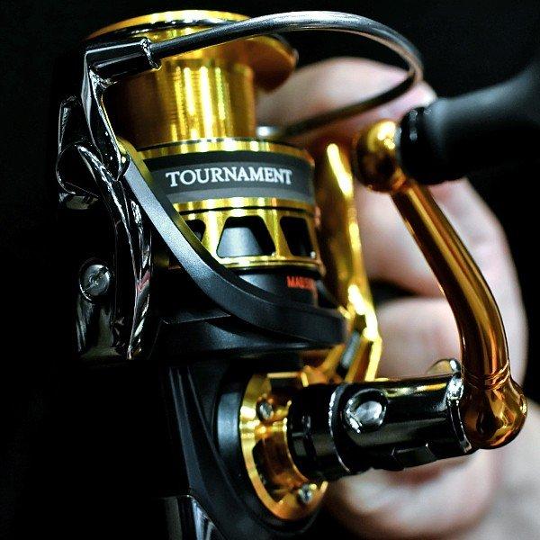 ダイワ 18 トーナメントISO 3000LBD リール スピニングリール